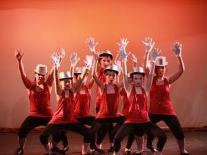 Hamburg Musical Company show 2010-1 Kinder tanzen zu High School Musical