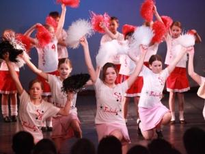 Hamburg Musical Company show 2010-10 Kinder tanzen zu High School Musical