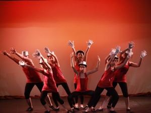 Hamburg Musical Company show 2010-3 Kinder tanzen zu High School Musical