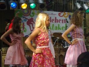 Hamburg Musical Company Theater-und Schauspielschule für Kinder Auftritt Mädchenspektakel Altona mit Auschnitten aus der show 2011-2