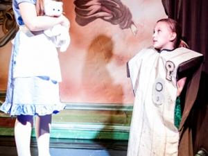 Hamburg Musical Company show 2013-02 Schauspielszene aus Alice im Wunderland