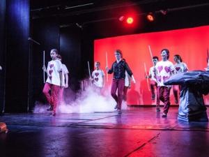 Hamburg Musical Company show 2013-09 Spielkarten-Tanz aus Alice im Wunderland