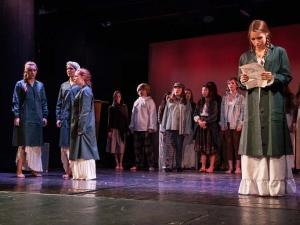 Sommer Show 2014 Allee-Theater Hamburg Chor aus Les Miserables.jpg