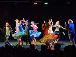 Hamburg-Musical-Company-Theateraufführung-2015-Tanzchoreographie-grease-04