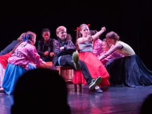 Hamburg-Musical-Company-Theateraufführung-2015-Tanzchoreographie-grease-05