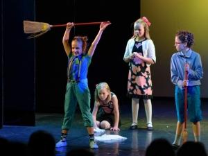 Hamburg-Musical-Company-Theateraufführung-2015-Tanzchoreographie-muppetshow-02