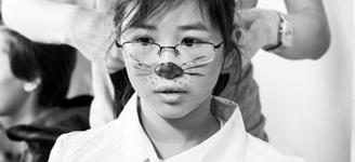 Blick in die Maske hinter die Bühne bei Kinder Theateraufführung