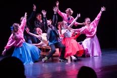 Hamburg Musical Company Schlußbild von Tanz aus Grease